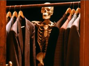 esqueleto no armário